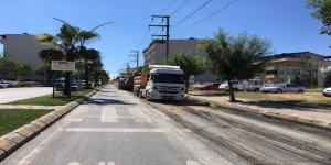 Darıca'daki önemli caddelerde yol onarımı yapılıyor
