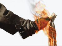 Pendik'te İş Yerlerine Molotoflu Saldırı