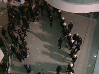 Kayyumları engellemek isteyen kalabalık taşkınlık yaptı