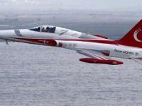 Türk Yıldızları şehitlerin isimlerini uçakların üzerine kazıdı