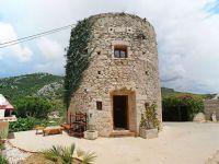 250 yıllık kule muhteşem bir eve dönüştürüldü
