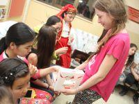 Moğolistanlı çocuklar sevgiyle karşılandılar