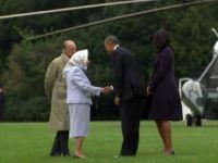 Obama çifti Kraliçe'nin doğum günü için İngiltere'de