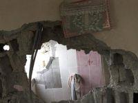 Binanın Duvarı Yıkıldı, Kur'an-ı Kerim Zarar Görmedi !