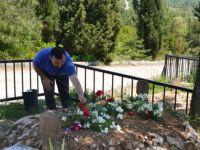 Anneler Gününde Mezarlıklar Doldu
