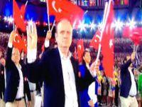 TÜRK KAFİLESİ'NDE DİKKAT ÇEKEN HAREKET ! TÜM DÜNYA GÖRDÜ !