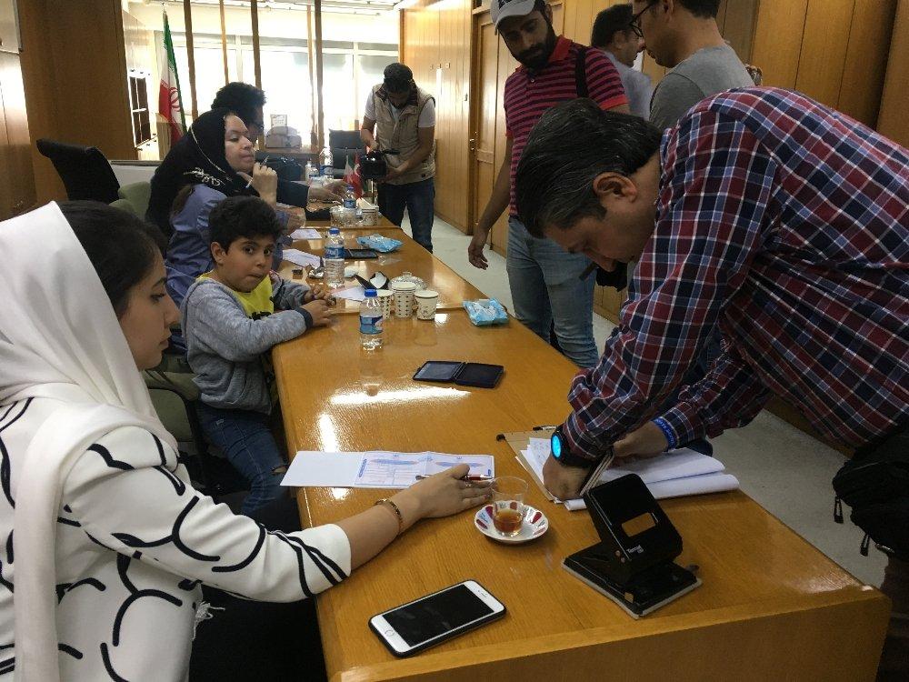 İzmir'de İranlı Seçmenler İçin Sandık