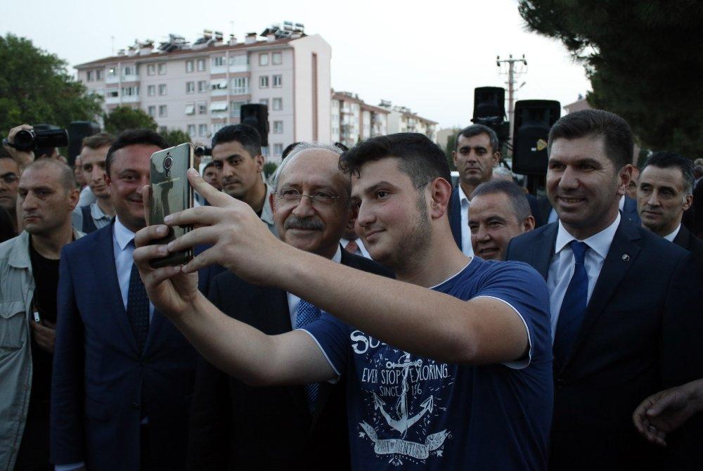 Kılıçdaroğlu Burdur'da İftara Katıldı