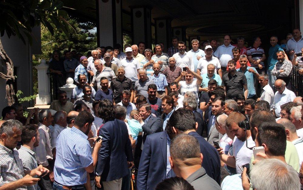 Ahmet Davutoğlu: Herkes Ata Dostu