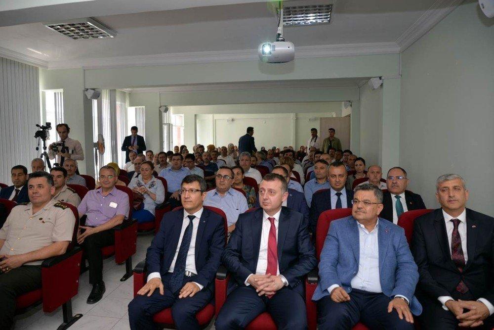 Bilecik'te ''Dakikalar İle Darbe Süreci'' Konferansı Düzenlendi