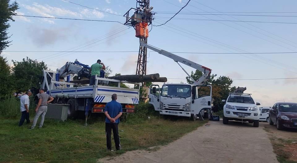Kaynarca'da Elektrik Arızalarından Bunalan Tavuk Çiftliği Üreticileri Rahat Bir Nefes Aldı