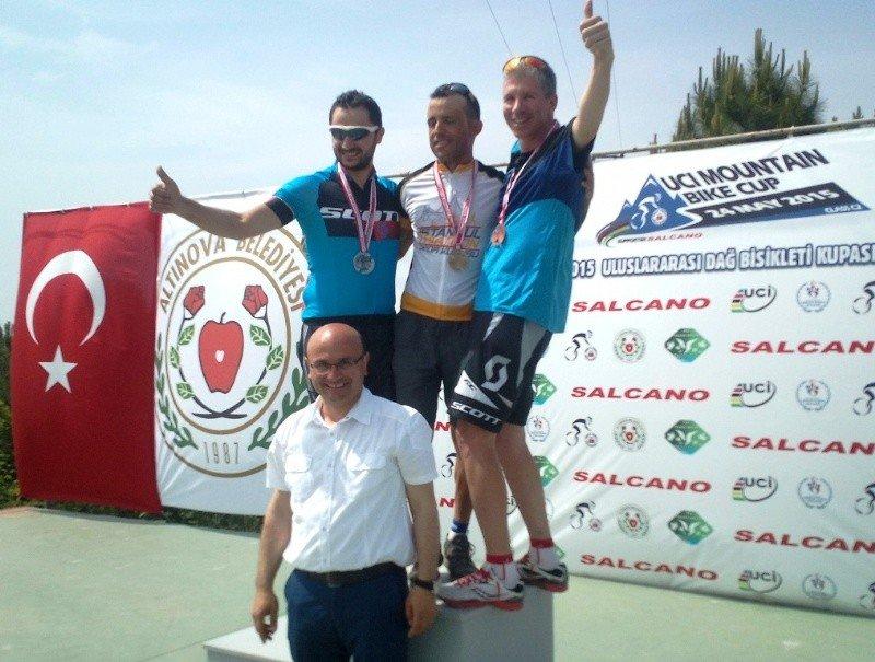 Altınova'da Uluslararası Dağ Bisikleti Kupası