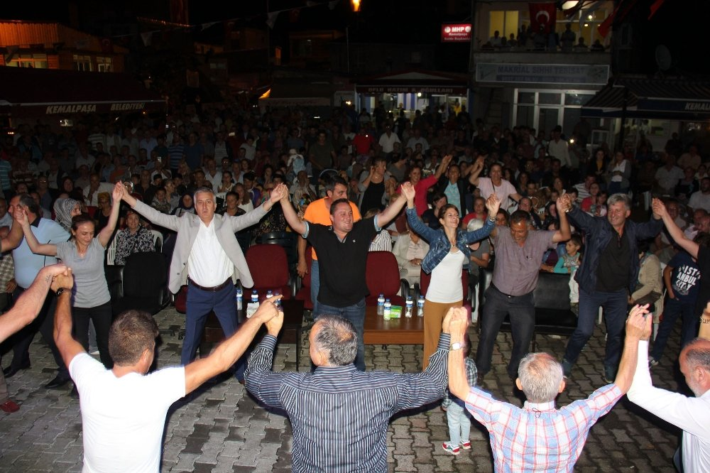 Kemalpaşalılardan Tulum Ve Kemençeli Kutlama