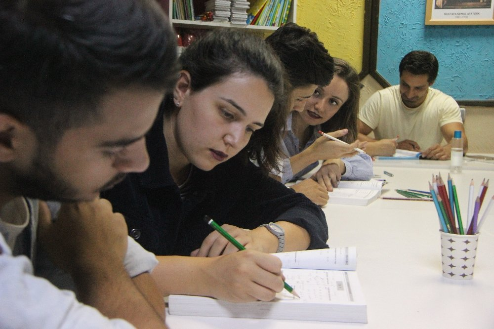 Gönüllü Gençlerden Örnek Hizmet