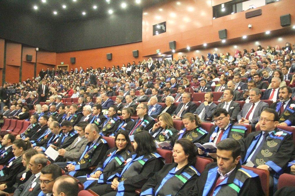 """""""Üniversiteler Sanayinin De Lokomotifi Olmalı"""