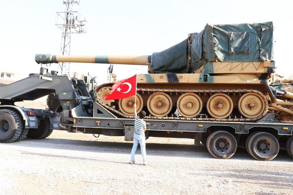 İdlib'e Obüs Ve Leopar Tank Kurtarıcı Sevk Edildi