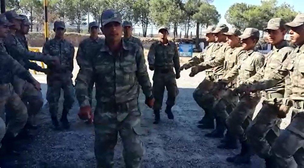 Mehmetçikten Komutanlarına Duygulandıran Sürpriz