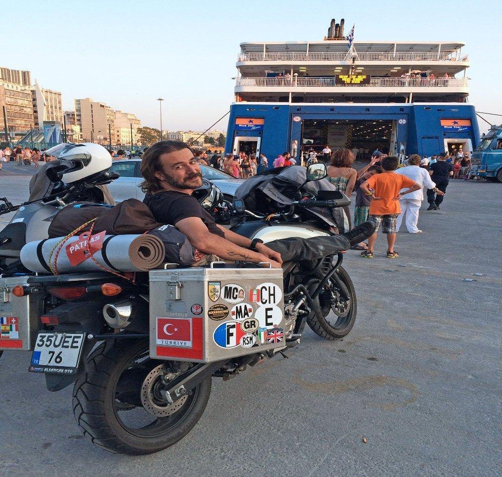 4 Kıta Ve 43 Ülkeyi Motosikletle Gezdi