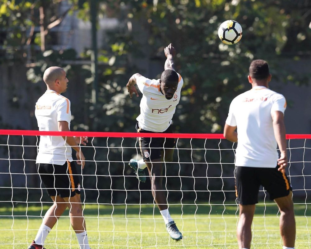 Galatasaray, Fenerbahçe Maçı Hazırlıklarını Sürdürdü