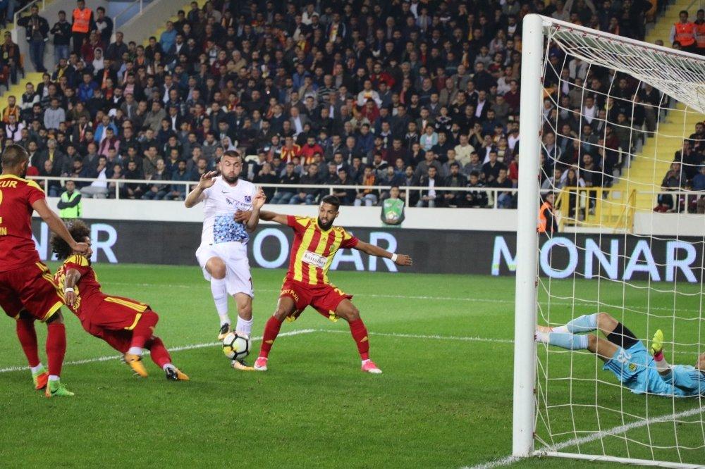Trabzonspor'da Kan Kaybı Sürüyor