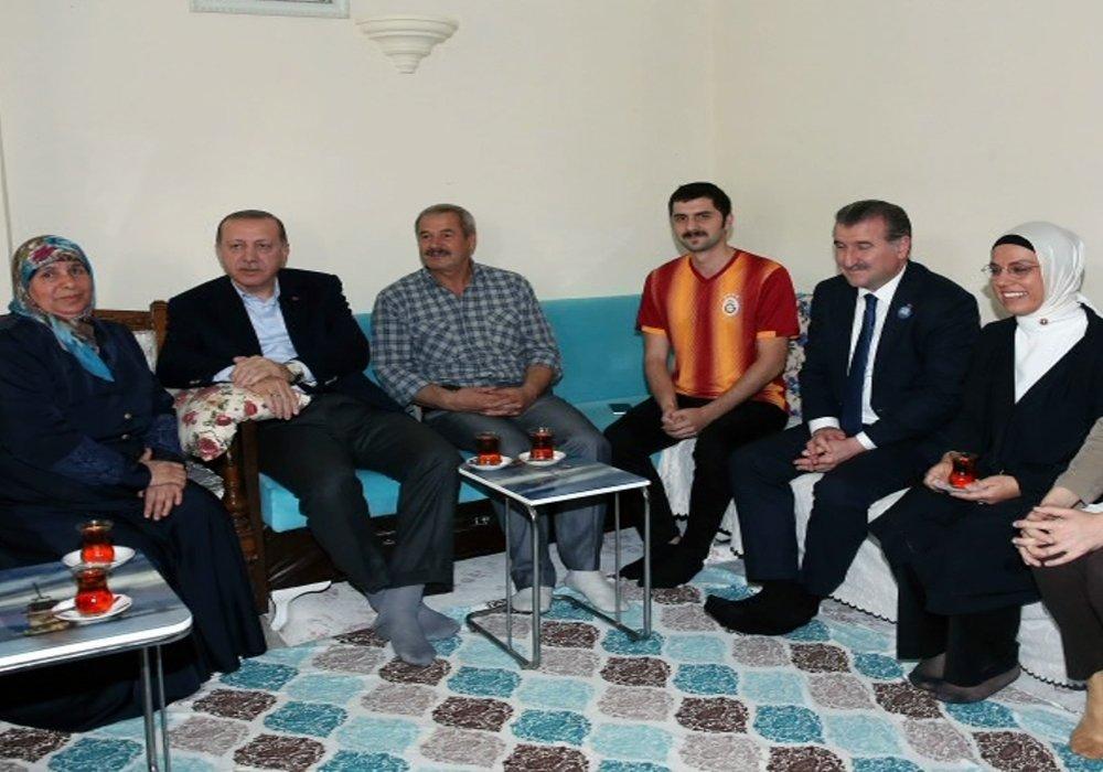 Cumhurbaşkanı Erdoğan'dan Çay Ziyareti