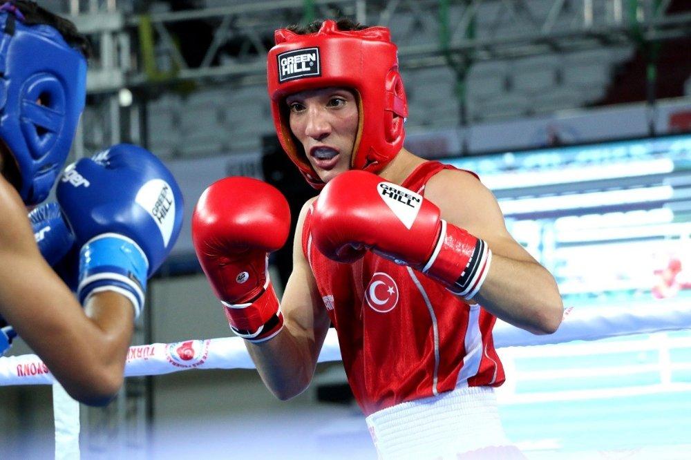 Avrupa Boks Şampiyonası'nda İki Önemli Galibiyet