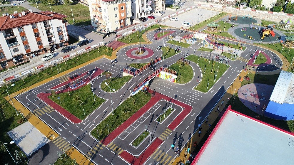 Çocuk Trafik Eğitim Parkında Günde 100 Çocuk Eğitim Görüyor