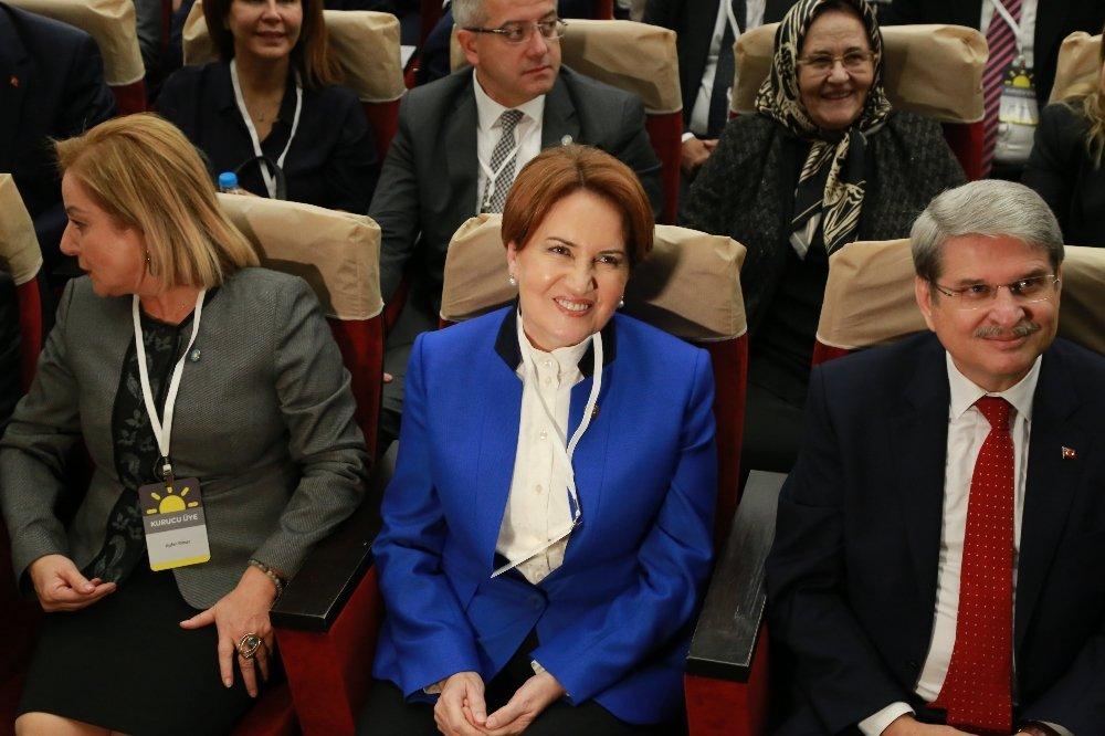 Meral Akşener'in Parti Tanıtımı Çileye Dönüştü