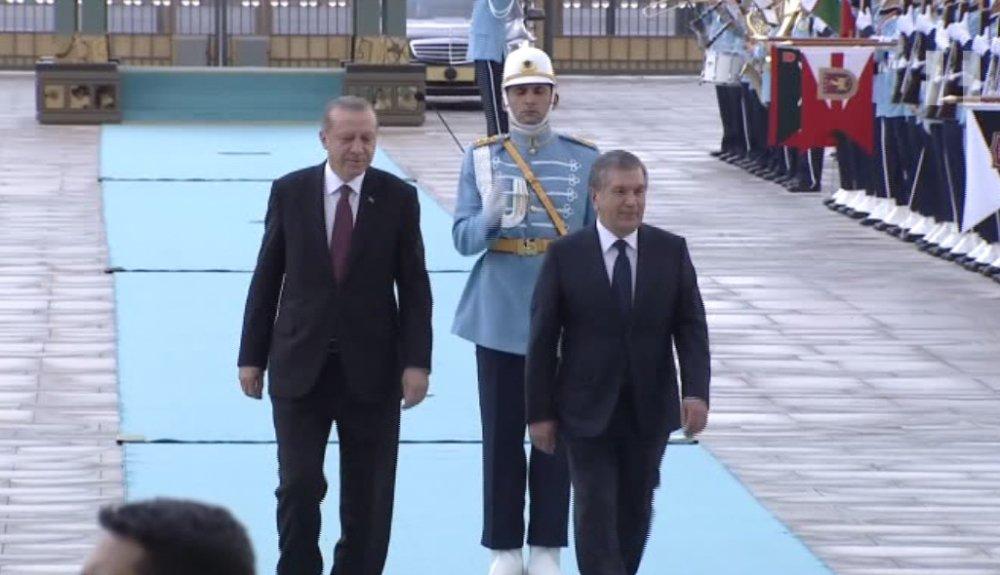 Özbekistan Cumhurbaşkanı Mirziyoyev Külliye'de
