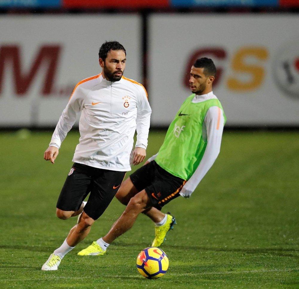 Galatasaray Günü Çift Antrenmanla Bitirdi