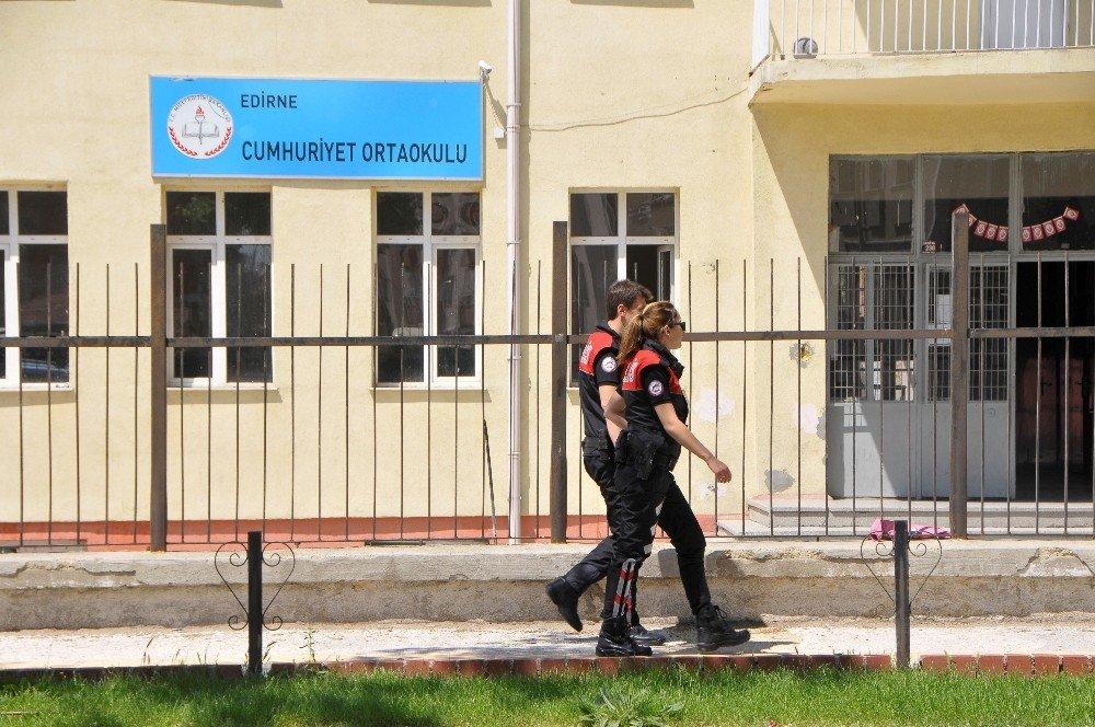 Edirne'de Öğrencilerin Öğle Arasında Okuldan Çıkışları Yasaklandı