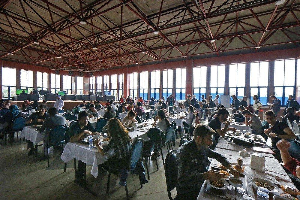 Saü'de Öğrenci Yemekhanesinin Kapasitesi Arttı
