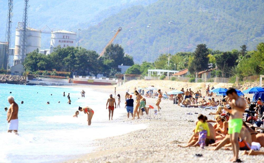 Burası Antalya: İnsanlar Denizde