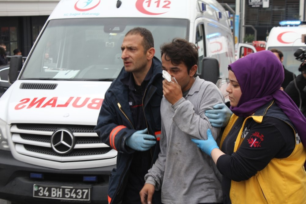 İstanbul'da 41 Katlı Gökdelende Yangın Paniği