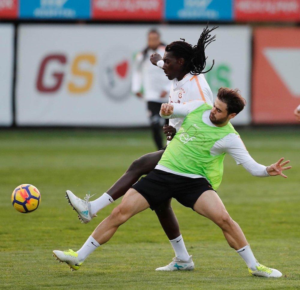 Galatasaray'da Trabzonspor Mesaisi Sürdü