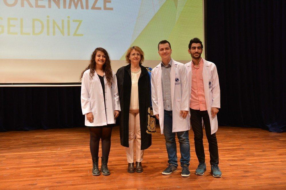 Saü'de Tıp Öğrencileri Beyaz Önlük Giydi