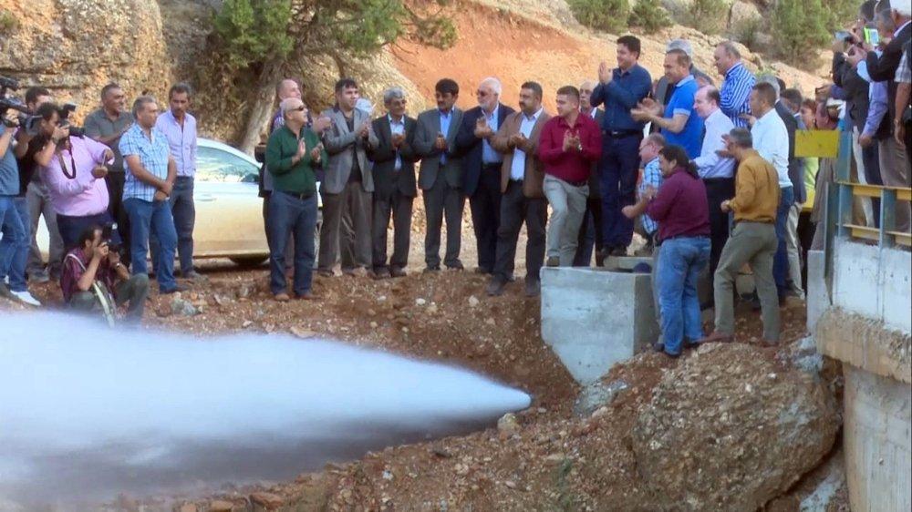 Köye Su Geldi, İnsaf Teyze Dayaktan Kurtuldu