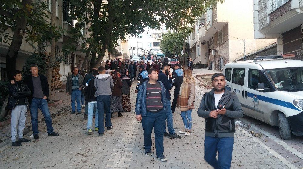 İstanbul'da Deprem Oldu Sandılar: 20 Bina Hasar Gördü