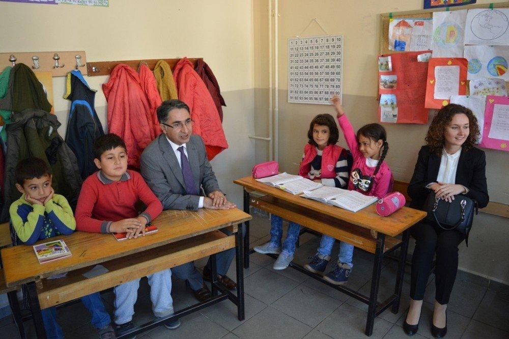 Çamdibi İlkokulu Ve Ortaokulu' Na Bengi Ziyareti