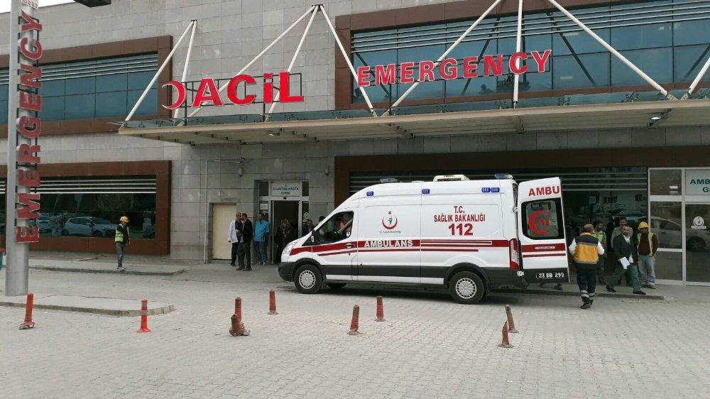 40 İşçi Hastanelik Oldu