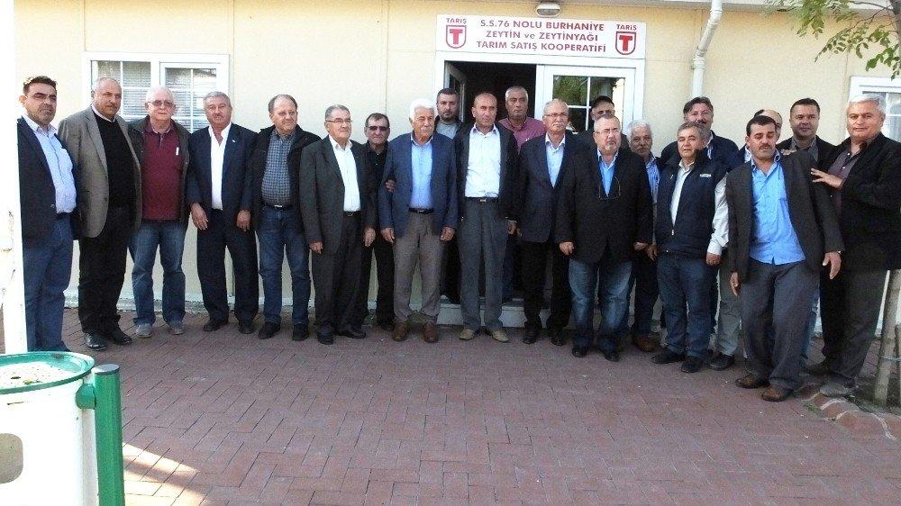 Burhaniye'de Tariş Yönetimi Aydınlı Zeytincileri Ağırladı
