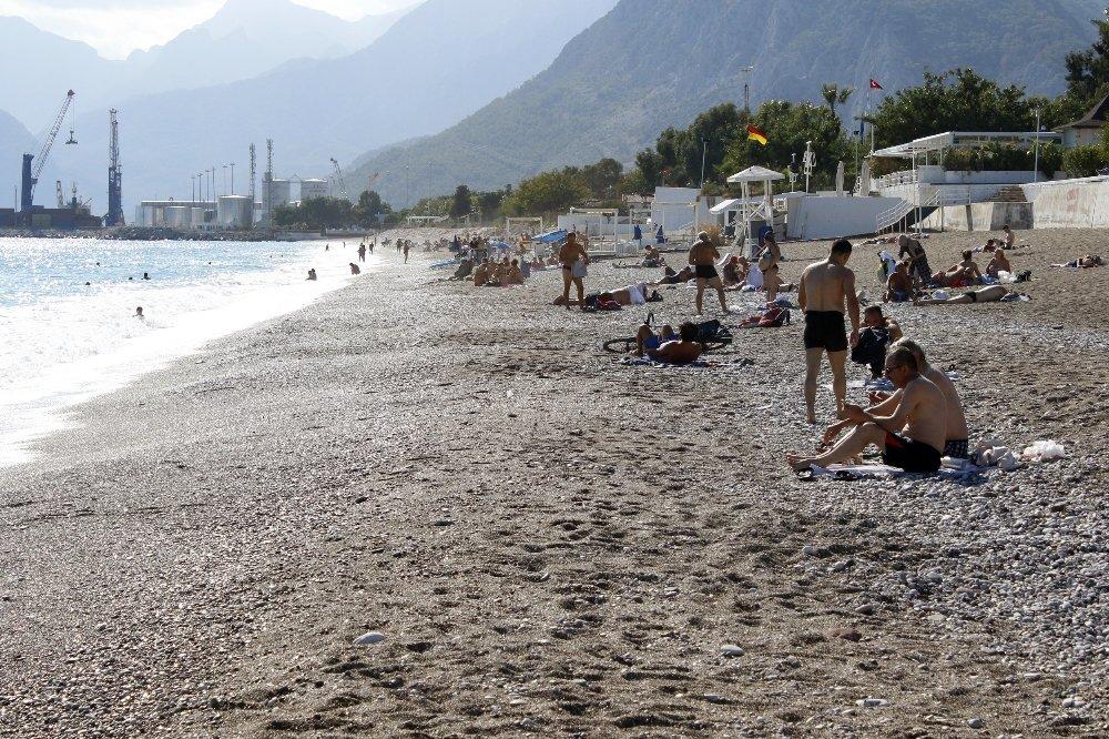 Antalya'da Yaz Bitmiyor