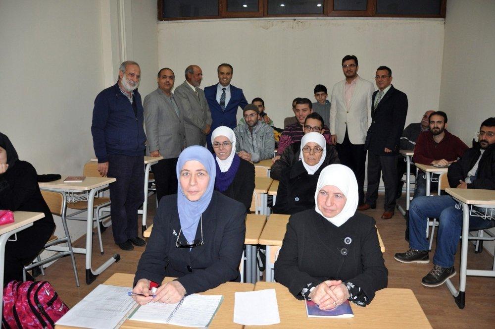 Bursa'da Yaşayan Suriyelilere İl Dışına Çıkış Yasağı