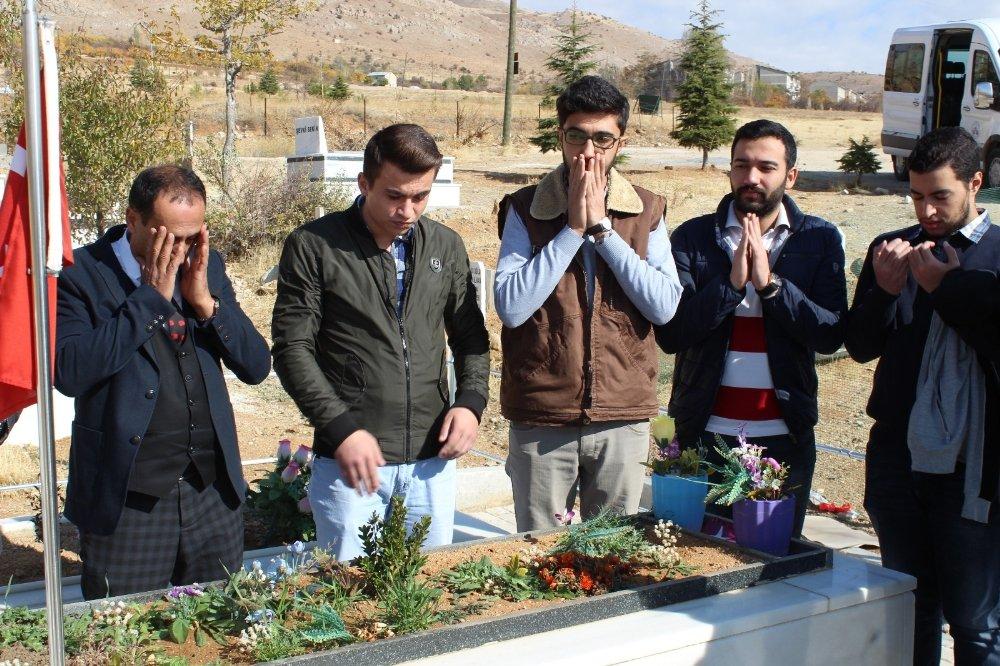 Öğrenciler Şehit Fethi Sekin'i Doğum Gününde Unutmadı