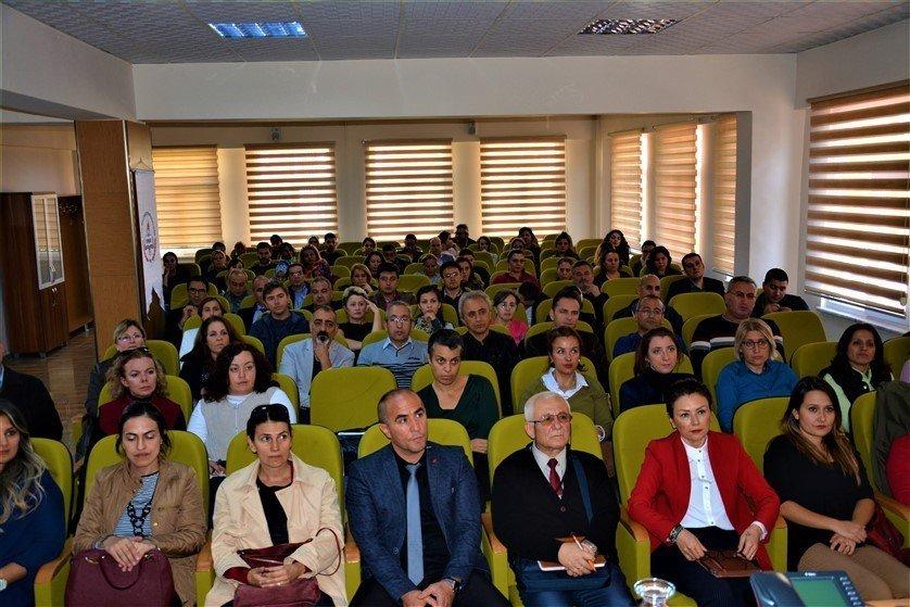 Edremit'te Öğretmenlere Tübitak Programları Tanıtım Semineri Verildi
