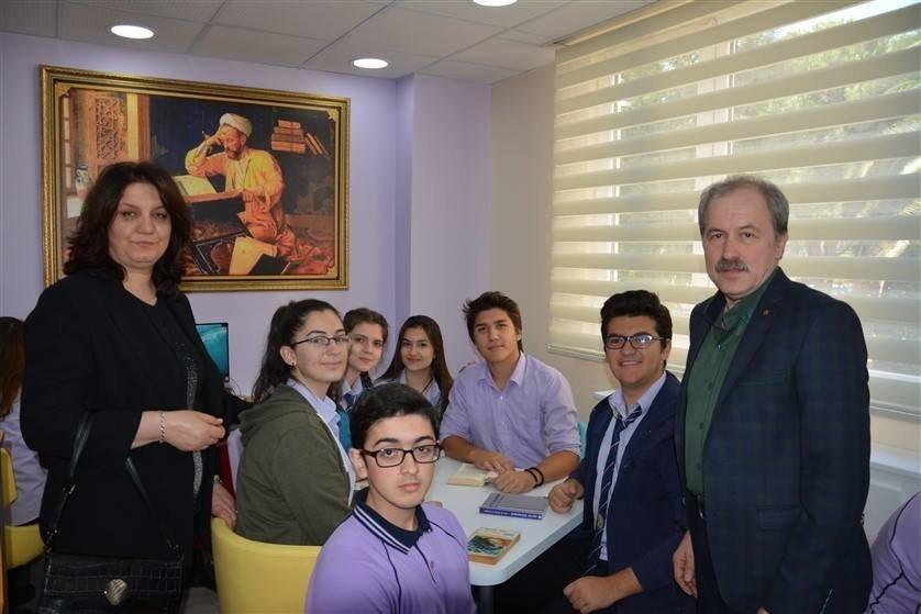 Edremit'te Yeni Bir Z Kütüphane Açıldı