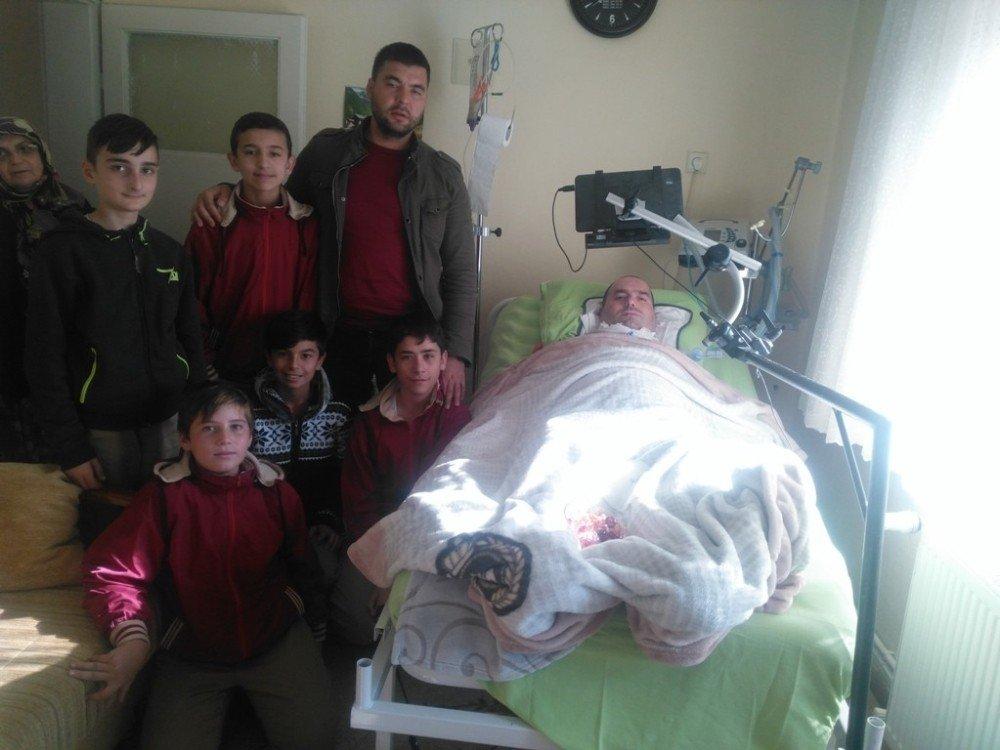 Balya'da Öğrencilerden Yatalak Hastalara Moral Ziyareti