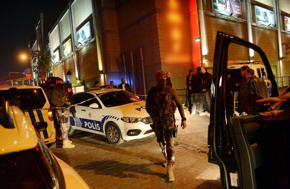 Avm'deki Operasyonda Polisin Çalışması Tamamlandı