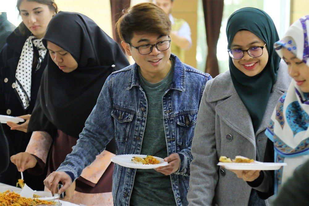 Saü'de Yabancı Uyruklu Öğrencilere Türk Kültürü Tanıtıldı