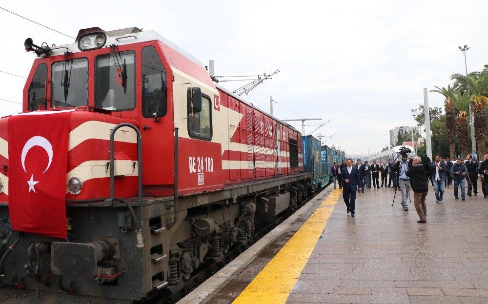 Demir İpek Yolunda İlk Tren 10 Saat Erken Geldi